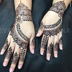 Mehndi design makes hand beautiful and fabulous. Here, you will see awesome and Simple Mehndi Designs For Hands. Henna Hand Designs, Bridal Henna Designs, Mehndi Designs For Girls, Unique Mehndi Designs, Beautiful Henna Designs, Henna Tattoo Designs, Mehandi Designs, Heena Design, Beautiful Mehndi