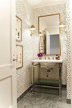 black and white spotted bathroom walls