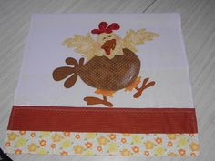 Decorativo pano de prato confeccionado em: <br>- tecido de sacaria, <br>- tecidos 100% algodão.