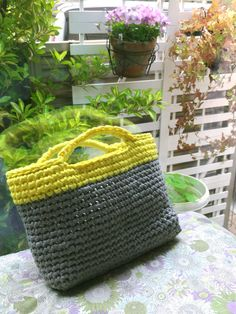 T shirt yarn tote bag yellow & grey