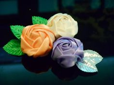 DIY Fabric flowers how to make – Fit traveler Easy Fabric Flowers, Fabric Flower Tutorial, Rose Tutorial, Fabric Roses, Tissue Paper Flowers, Shabby Flowers, Diy Flowers, Diy Ribbon, Fabric Ribbon