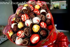 Strawberry Dip, Fruit Arrangements, Chocolate Covered Strawberries, Sweet Life, Chocolates, Dips, Muffin, Sweets, Cakes