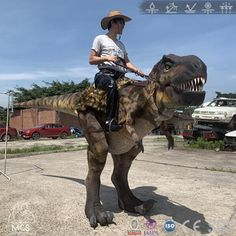 Be a Dinosaur wrangler ride on the back of a T-Rex! This would be the perfect way to give a blast at Halloween. Use this riding stilts dinosaur costume walking around the street. Stilt Costume, Rex Costume, Dinosaur Costume, Dragon Costume, Epic Halloween Costumes, Ride On Toys, Tyrannosaurus Rex, The A Team, Jurassic World