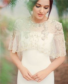 30 Wedding Cover Ups to Keep Warm on Your Big Day                                                                                                                                                                                 Mehr