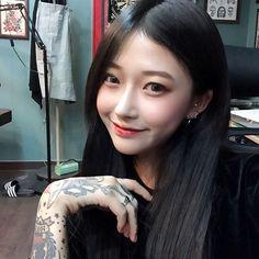Asian Tattoo Girl, Asian Tattoos, Girl Tattoos, Asian Cute, Pretty Asian, Beautiful Asian Women, Uzzlang Girl, Korean Aesthetic, Tattoed Girls