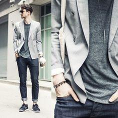 One Dapper Street wearing a Zara Blazer #mens #menswear #fashion #style #blazer #zara #pradux