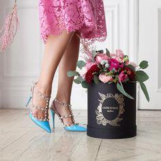 #pfw #pfw2015 #parisfashionweek #valentino #boxedflowers #flowers #parisflowers #parisflowermarket @conciergedesfleurs  @maisonvalentino
