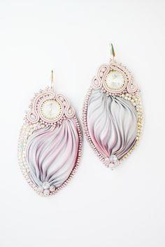 Shibori earrings, embroidery earrings, silk earrings, swarovski earrings, grey lilac earrings, preziosa, toho, soutache earrings