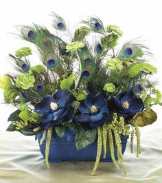 Peacock Feather Arrangement Part of what I can do with the aftermath of the wedding. Peacock Decor, Peacock Colors, Peacock Art, Peacock Theme, Peacock Feathers, Peacock Wedding, Peacock Bedroom, Peacock Wreath, Art Floral