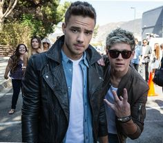 OMG They look so hot :D>>>what is Niall doing with his hand?>>>west side symbol