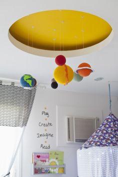 Pin de NaToca.com.br  Planetas em crochê, de Nina Moraes Ateliê (foto: Andrea Marques)