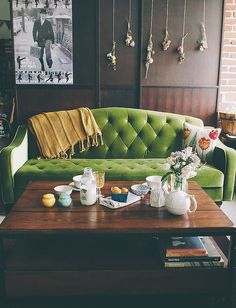Small Space Living: My Living/Dining Room Everything: the sofa, the art print, the hanging flowers! Small Space Living, Living Spaces, Small Apartment Decorating, Design Your Home, Retro Home Decor, Small Apartments, Interiores Design, Decoration, Living Room Decor