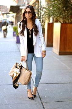 white blazer+jeans combo