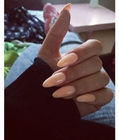 Peach Round Tip Nails LOVE the color! Would want oval though, not almond. And not so long. But loooove the color.