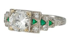 ART DECO, PLATINUM, DIAMOND AND EMERALD RING WITH CENTRE STONE OF APPROX. 1.0CTS