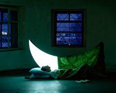"""Private Moon"" un poema visual de Leonid Tishkov http://caracteres.mx/private-moon-un-poema-visual-de-leonid-tishkov/"