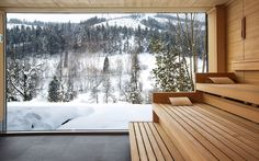 Traube Tonbach – references for sauna manufacturer and spa outfitter KLAFS: the most convincing argument for the quality, profitability and popularity of our saunas. Sauna House, Sauna Room, Hotel Sauna, Ventana Windows, Modern Saunas, Sauna Wellness, Portable Sauna, Sauna Design, Outdoor Sauna
