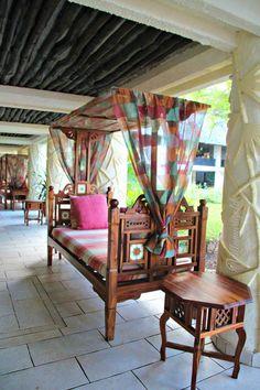 Indian Home Interior, Indian Home Decor, Room Interior, Interior Design, Indian Furniture, Home Decor Furniture, Furniture Design, Furniture Ideas, Daybed Design