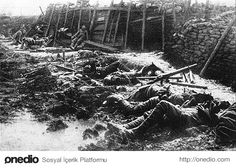 British trench after a german poison gas attack, . Flanders Field, British Soldier, Us History, World War I, Wwi, Warfare, First World, Trench, Martini