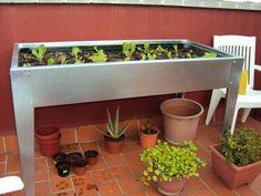 Mesas de cultivo para tener un huerto en casa - http://www.jardineriaon.com/mesas-de-cultivo-para-tener-un-huerto-en-casa.html