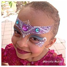 Marcela Murad || princess using swirls and teardrops and gems