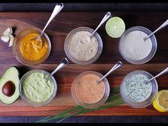 Mayonnaise Dips & Sauces By Andrew Zimmern Now that I've taught you how to make homemade mayonnaise, here are a few ways… Vinaigrette Sans Gluten, Sauce Recipes, Real Food Recipes, Delicious Recipes, Appetizers For Party, Appetizer Recipes, Heinz Chili Sauce, Russian Dressing, Andrew Zimmern