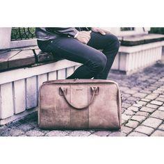 Brodrene utazótáskák, természetes bőrből sok színben a HLFShoes.com webáruházban Messenger Bag, Satchel, Bags, Fashion, Handbags, Moda, Fashion Styles, Taschen, Fasion