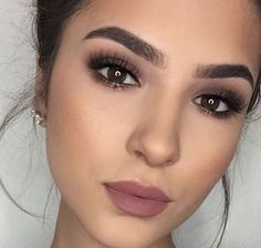 55 Simple Makeup Ideas for Brown Eyes That You Have To Try – Beauty Make up Styles Wedding Makeup For Brown Eyes, Makeup Looks For Brown Eyes, Wedding Hair And Makeup, Simple Makeup For Wedding, Smokey Eye For Brown Eyes, Simple Smokey Eye, Make Up Brown Eyes, Eyemakeup For Brown Eyes, Natural Makeup For Brown Eyes