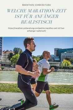 Viele träumen davon, bei ihrem ersten Marathon nicht nur irgendwie durchzukommen, sondern das Ziel auch noch in einer bestimmten Zeit zu erreichen. Gerade für Marathon-Debütanten kann es jedoch schwierig sein, ihre Zielzeit realistisch einzuschätzen. In diesem Beitrag erfährst du, wie du deine Marathon-Zeit berechnen kannst – und was du dafür tun kannst, um noch schneller ins Ziel zu kommen Marathon Training, Triathlon, Berlin Marathon, Benefits Of Running, Jogger, Kitchen Recipes, Get In Shape, Family Meals, Have Fun