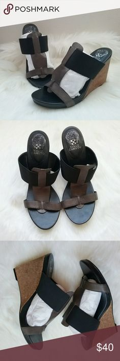 b1c5e8bcf9435 Vince camuto gray  amp  black Leather cork heel wedges VINCE CAMUTO WOMEN S  SIZE 10B WEDGE