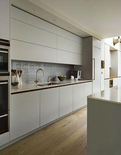 Roundhouse Urbo matt lacquer kitchen: