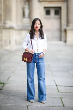 French Chic Fashion, Jeans Outfit Winter, Wide Leg Jeans, Denim Jeans, Fashion Pants, Street Style, Paris Street, Inspired, Minimalist Wardrobe