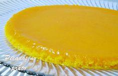 Tarte quindim - De Avental e Saltos Altos Bolos Low Carb, Different Cakes, Coco, Custard, Food Inspiration, Cheesecake, Food And Drink, Gluten, Pie