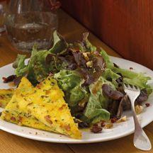 Eichblattsalat mit Polentaecken