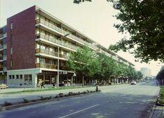 Andrássy út (Tanácsköztárság útja) a Gyóni Géza utca felől nézve.