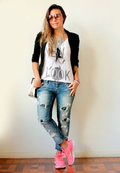 Pink trainers outfit, nike tennis shoes, look com tenis, look fashion, sport Pink Trainers Outfit, Sneakers Outfit Casual, Casual Outfits, Viva Color, Casual Chic, Looks Baskets, Look Fashion, Womens Fashion, Fresh Outfits