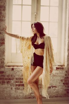 We're head over heels for this delightful new Free People campaign featuring the adorable Daisy Lowe. The charming three-minute video titled 'Neighbor' showcases sexy, comfortable lingerie for Summer, Fall and Winter. Daisy Lowe, Böhmisches Outfit, Lingerie Shoot, Mannequins, Boho Outfits, Boudior Outfits, Female Models, Women Models, Boho Fashion