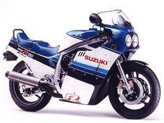 〔スズキ〕【GSX-R750(初期型)】 1985-1987 油冷4サイクル4気筒 最高出力77ps/9500rpm ・大型初のレーサーレプリカ ・のちにスーパースポーツタイプのシリーズとして続いていく