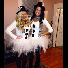 Easy tulle snowman and christmas tree couple costume pinterest homemade snowman costume perfect for a halloween or holiday party solutioingenieria