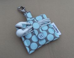 """ipod Nano 6th generation or ipod shuffle cover case"" -- I could DIY this....I like the headphone wrap."