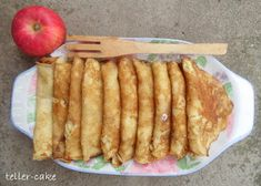 teller-cake: Almás palacsinta Minion, French Toast, Tacos, Bread, Breakfast, Cake, Ethnic Recipes, Food, Morning Coffee