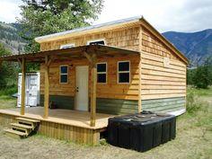 customrunner's cabin from the smallcabin.com forum.  20x16, 2 bedrooms