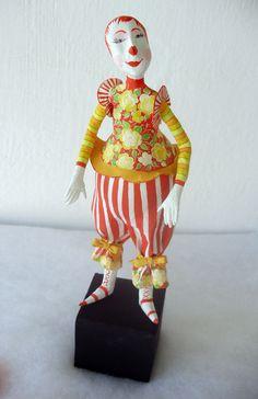 http://babeldasartes.com.br/blog/wp-content/gallery/palhacos-de-cabaca/p1010685.jpg