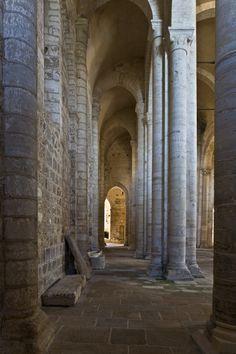Église Saint-Pierre, Parthenay-le-Vieux (cerca de Poitiers)