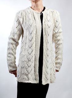 Hand knit cardigan Color: White Material: pure wool Size:L,M