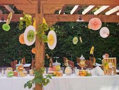 DIY Wedding Decor: Colorful Paper Rosettes