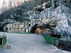 Beckham Creek Cave Haven in Eureka Springs, Arkansas. Totally secluded cave dwelling, with underground jacuzzis for relaxation.