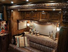 Take a look at this layout to add to your next 4-Star LQ from Outlaw Conversions! (800) 848-3095