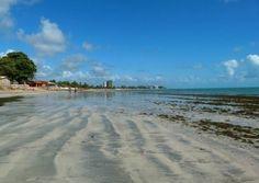 Linda praia, muito tranquilo.