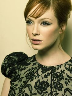 Christina Hendricks is our #fabfemme! We love this vintage look